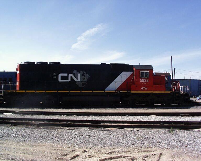 http://www.railfan.net/forums/cgi/Images/CN/5932.jpg
