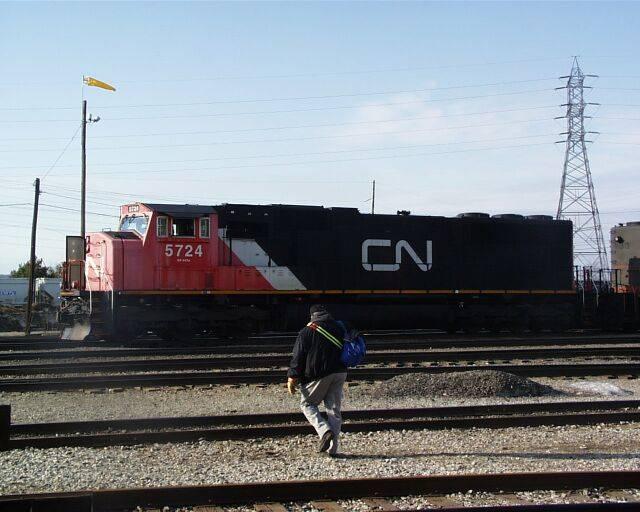 http://www.railfan.net/forums/cgi/Images/CN5724.jpg