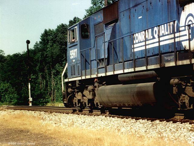 http://www.railfan.net/forums/cgi/Images/Signals/CR5567wakenb.JPG